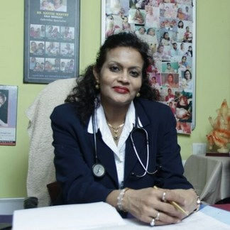 dr-kavita-mantry-2nd-mile-siliguri-gynaecologist-obstetrician-doctors-2e2e5l4
